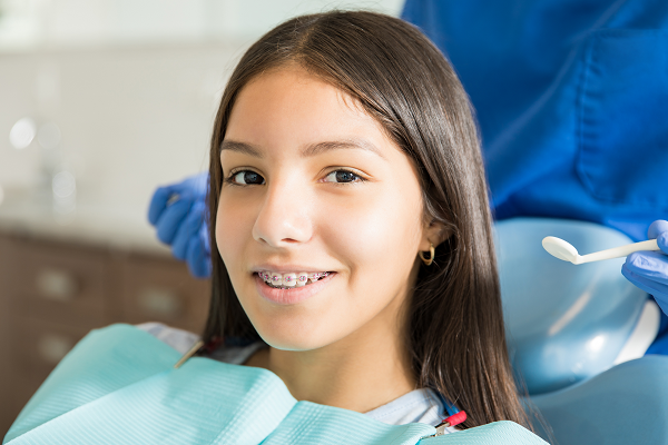 Do braces hurt? What to expect.